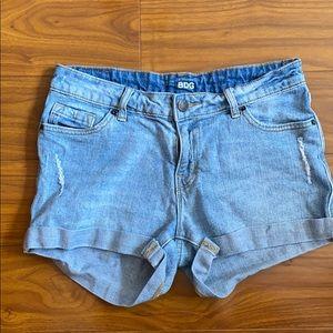 UO BDG Mid Rise Alexa 5 Pocket Shortie Jean Short
